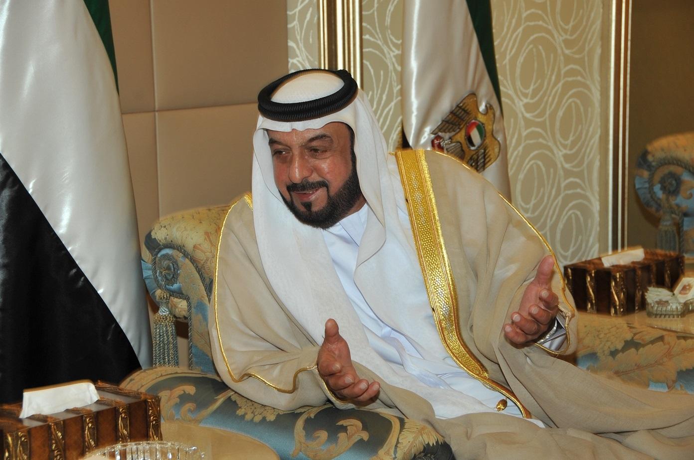 ترسيبات بنما: خليفة بن زايد بن سلطان آل نهيان  اغنى اغنياء العالم له قصر من سبعة طوابق في جزيرة سيشل
