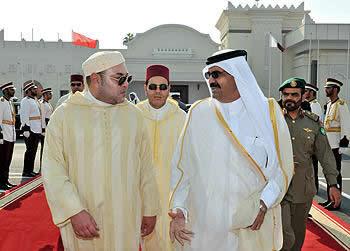 الملك محمد السادس يحل بقطر ..وفي استقباله أمير دول قطر
