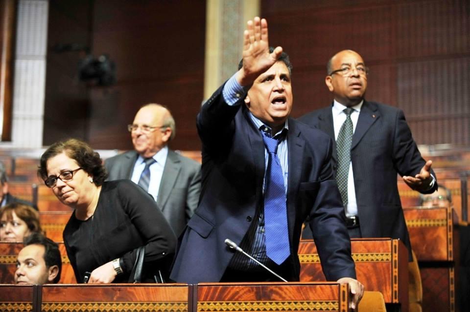 """الحزب """"الأغلبي"""" :وهم السلطة وحقيقة الديمقراطية (الجزء الأول)"""