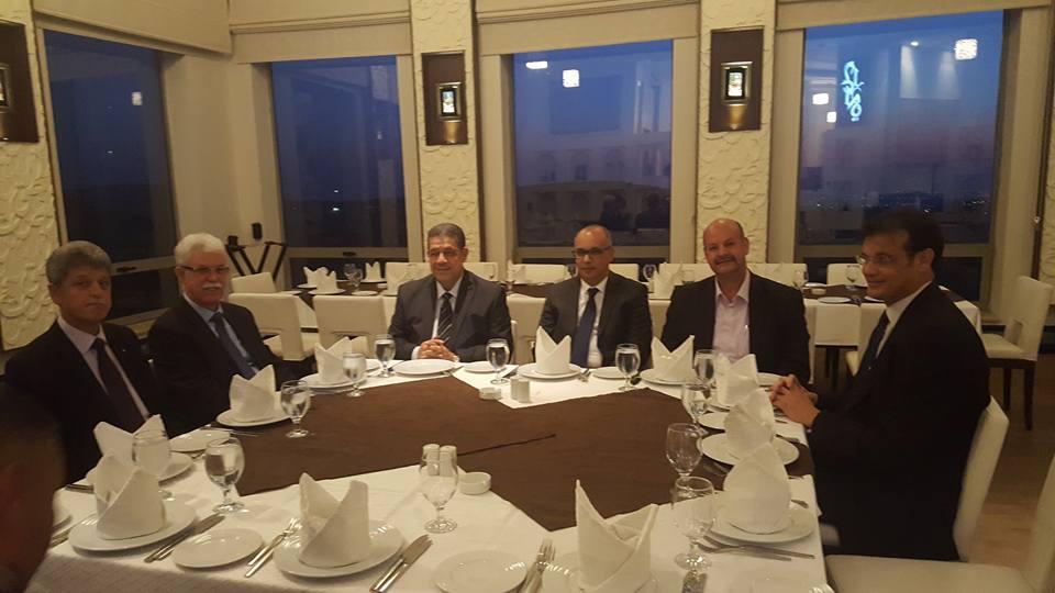 شباط يدخل فلسطين ويتلقي وزراء وقيادات من حركة فتح