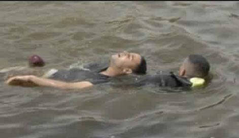 غرق شاب وإنقاذ آخر من الغرق على مستوي شاطئ سلا
