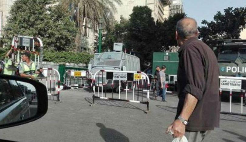 """بوليس السيسي يقتحم  مقر نقابة الصحفيين وردود فعل تقول"""" الداخلية بلطجية عصابات"""
