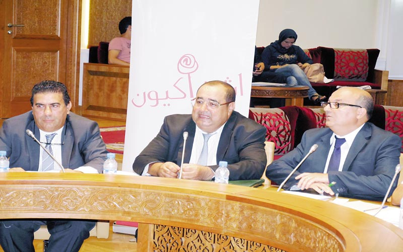 اتحاديو فرنسا: مشروع القانون التنظيمي لحكومة بن كيران يجرد مغاربة العالم من حقوق المواطنة
