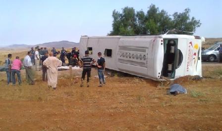 4 قتلى و34 مصابا بجروح متفاوتة الخطورة على إثر انقلاب حافلة لنقل المسافرين على مشارف مدينة المحمدية