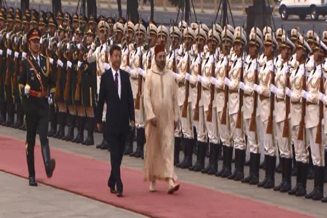 روعة الجيش الصيني وتناسقه لحظة مرور الملك محمد السادس