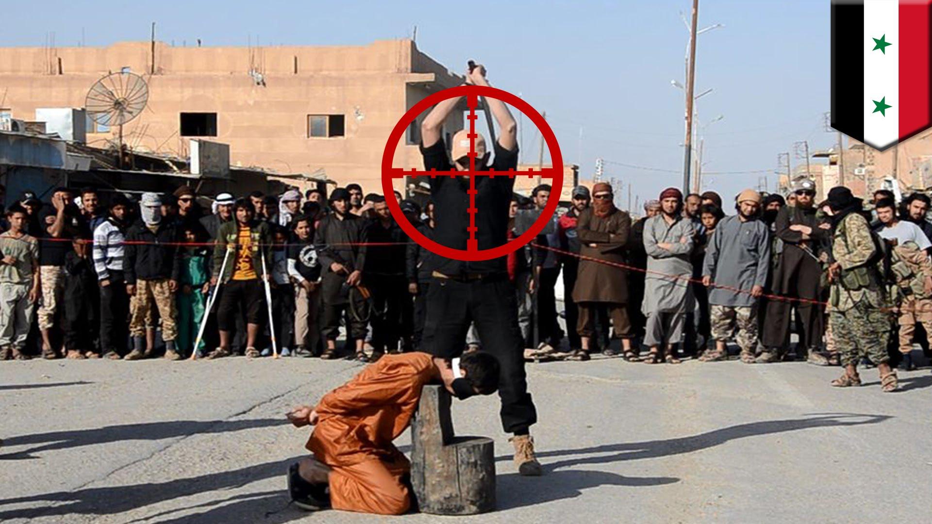 قناص يفجر رأس داعشي قبل تنفيذه عملية الإعدام