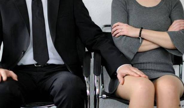 القضاء الفرنسي يفتح تحقيقا في اتهامات موجهة الى نائب مدافع عن البيئة باعتداءات جنسية