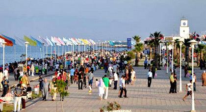ارتفاع عدد السياح المتوافدين على الناظور خلال سنة 2015 بنسبة 22 في المائة