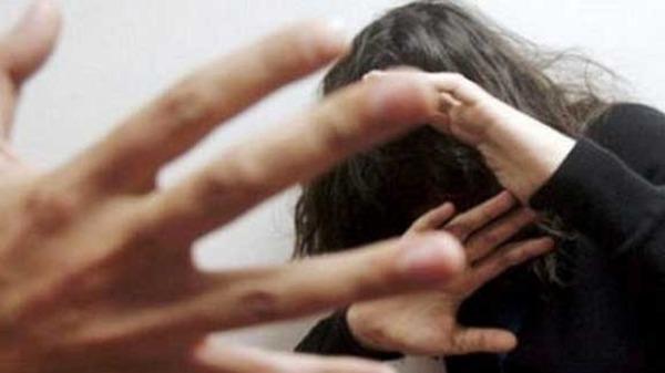 لجنة العدل والتشريع تناقش قانون محارب العنف ضد النساء