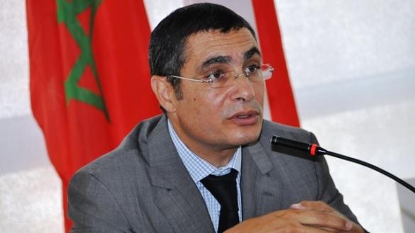 إهانة للمغاربة…مسؤول القطب العمومي للدار البيضاء بغى يدخل الصين بجواز سفر فرنسي والملك في الصين