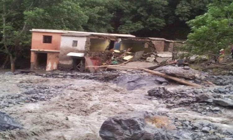 مفقودون إثر فيضانات جرفت منزلا بـتارودانت