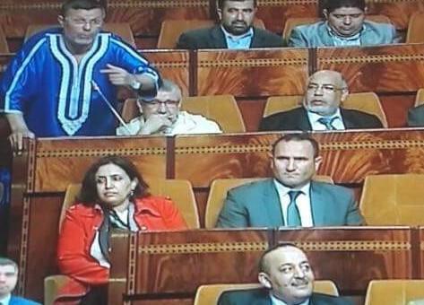 """البرلماني"""" سيمو"""" دخل للبرلمان ب"""" فوقية"""""""