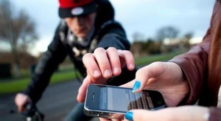 واش  بصح تم توقيف  110 قاصرين في قضية سرقة هاتف محمول لسائحة إنجليزية ؟