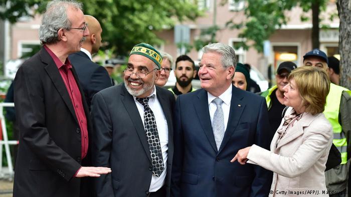 الرئيس الألماني يتناول الإفطار مع مسلمين ويحذر من شيطنة المسلمين