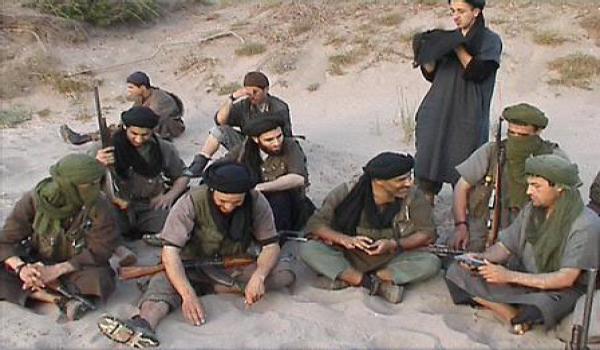 الارهابيون يتوغلون بالجزائر