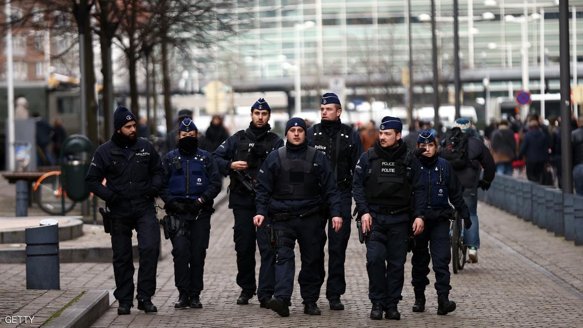 بلجيكا : تسليم حمزة عطو المتهم في ملف اعتداءات باريس إلى فرنسا