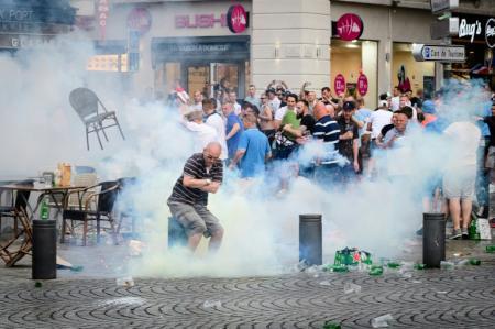 كأس اوروبا 2016: فرنسا تتحرك لمواجهة أعمال الشغب وإضراب الطيارين يهدد سفر المشجعين
