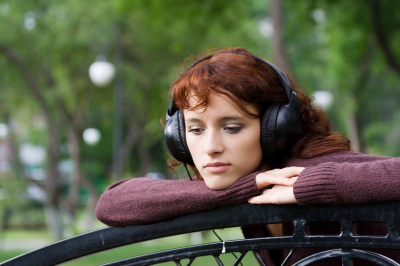 هل صحيح….؟ الاستماع للموسيقى الحزينة يحسن المزاج