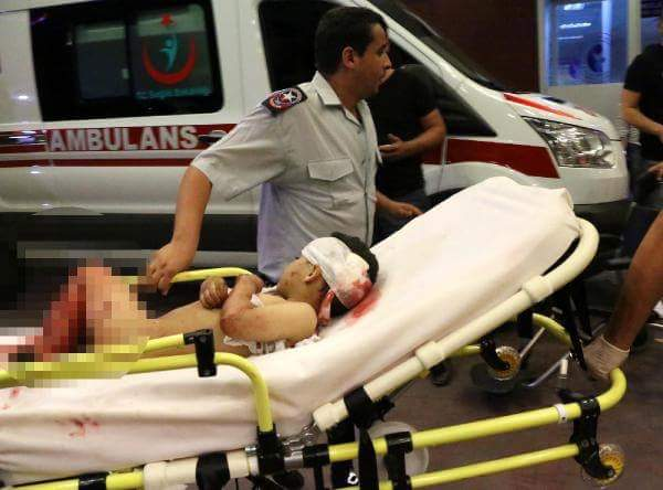 28 قتيلا في الهجوم الانتحاري في مطار أتاتورك