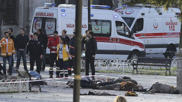"""أردوغان يدعو إلى """"مكافحة دولية مشتركة"""" ضد الإرهاب بعد اعتداء اسطنبول"""