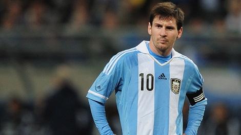 ميسي يصبح الهداف التاريخي للأرجنتين على حساب باتيستوتا