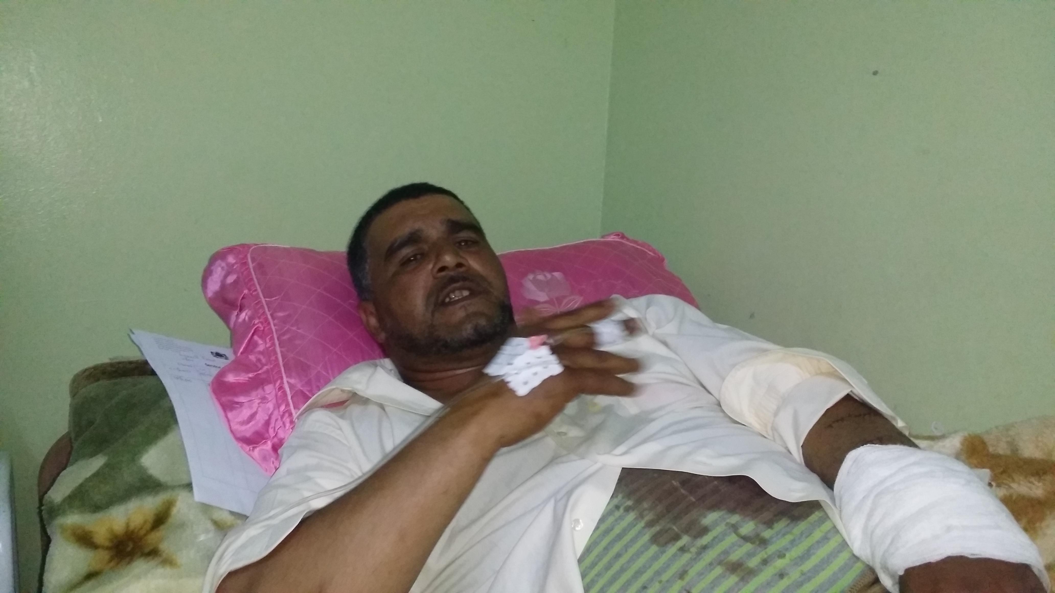 خطير: مواطن يقطع شرايين دمه بسب حرمانه من بطاقة الانعاش بكلميم