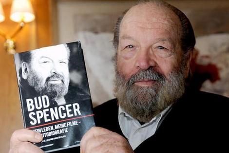 وفاة الممثل الإيطالي بود سبنسر عن 86 عاما
