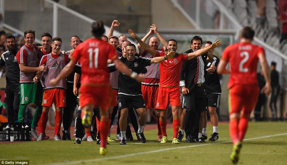 المنتخب البلجيكي يفوز على نظيره الايرلندي 3-0