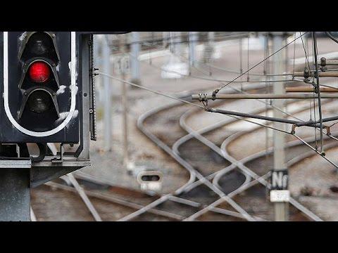 فرنسا: إضراب مفتوح في قطاع النقل