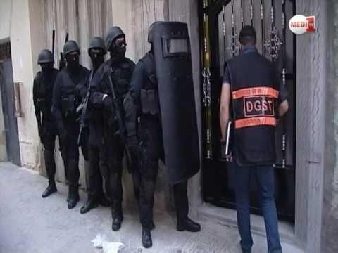 """لحظات توقيف أفراد خلية إرهابية موالية لـ """"داعش"""" تنشط بتطوان ومارتيل والبيضاء"""