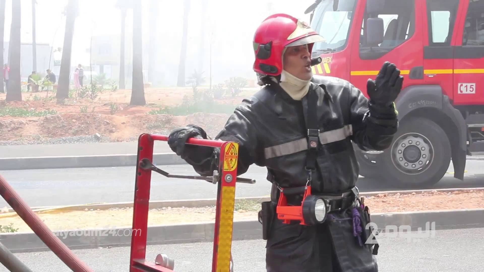 تفاصيل الحريق المهول لمستودع أمام عكاشة