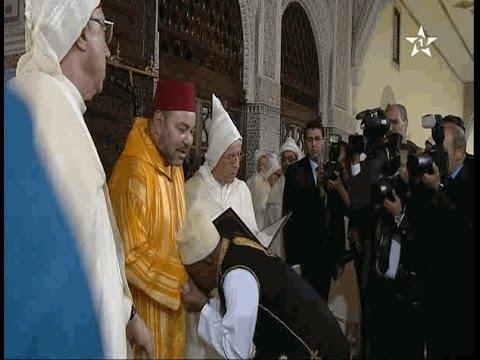 أفارقة يقبلون يد الملك محمد السادس