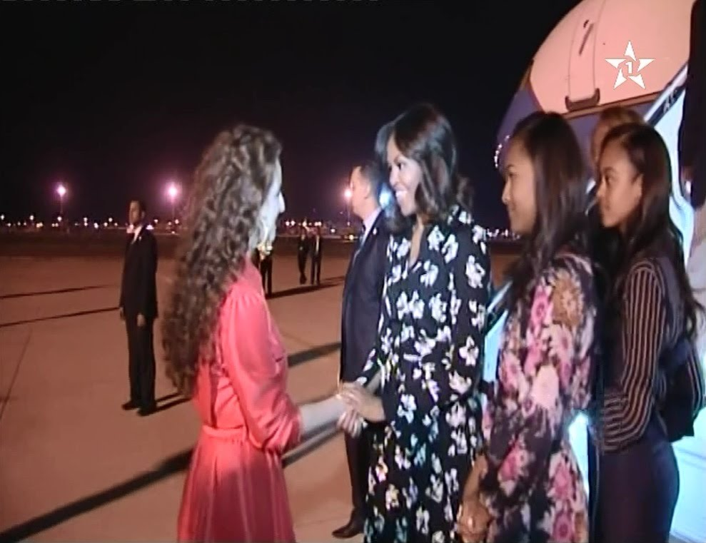 للا سلمى تستقبل زوجة الرئيس الأمريكي أوباما بمطار مراكش