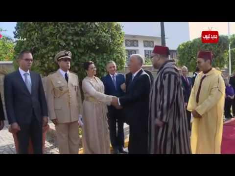 الرئيس البرتغالي يشد مطولا على يد سفيرة المغرب والملك يتدخل بعد أن أصبح الموقف محرجا