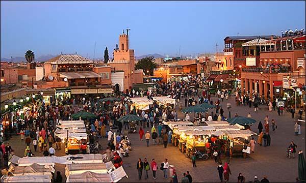 لجنة للنهي عن المنكر تتجول في مراكش وتفرض قوانينها على المغاربة والسياح وسلطات في سباة عميق