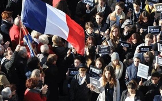 السلطات الفرنسية تمنع تظاهرة دعت اليها نقابات