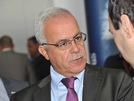 منع وزير الاتصال الجزائري من الترحم على قبر الصحفي الطاهر جحوط المغتال 1993