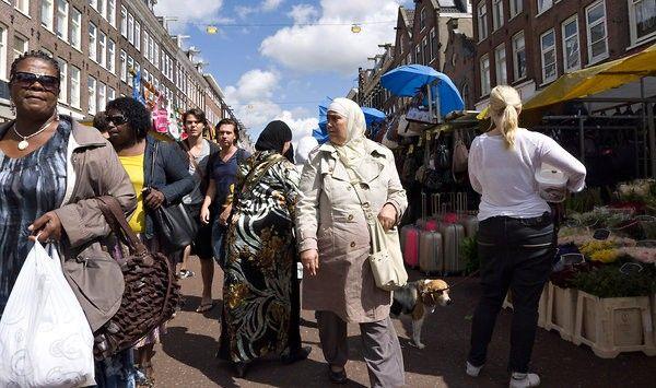 مغاربة هولندا غاضبون من توقيع إتفاقية الضمان الإجتماعي