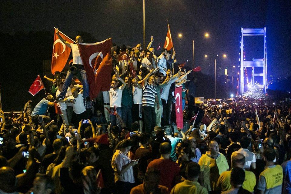 عزيز الرباح: الذين فرحوا للانقلاب في بدايته لا ثقة فيهم