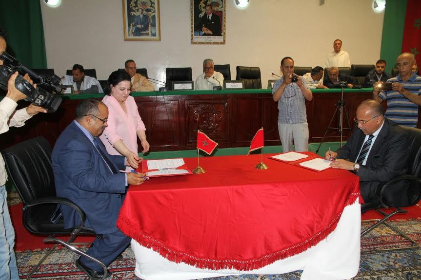 عبد المومني: توقيع التعاضدية اتفاقية مع المجلس الاقليمي لطانطان يأتي لدعم سياسة التنمية الاجتماعية التي يدعو لها الملك