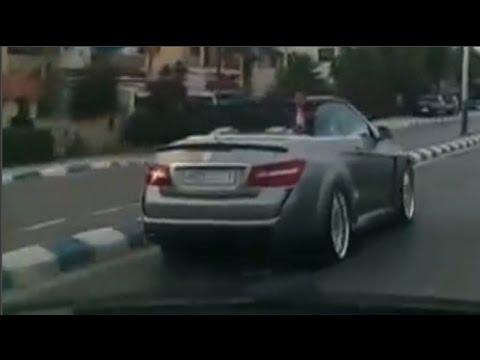 شاهد : الملك محمد السادس يتجول بسيارته بكورنيش مرتيل