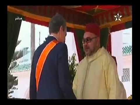 الملك محمد السادس يوشح ثباتيرو رئيس الحكومة الإسبانية سابقا.