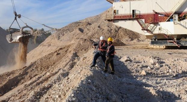 الفوسفاط المغربي سيزيح النفط ويتحول إلى الثروة الطبيعية الأولى في العالم