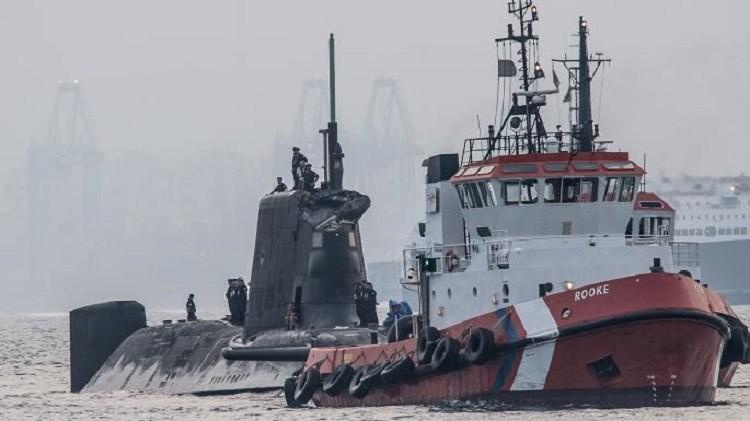 اصطدام غواصة نووية بريطانية بسفينة قرب جبل طارق
