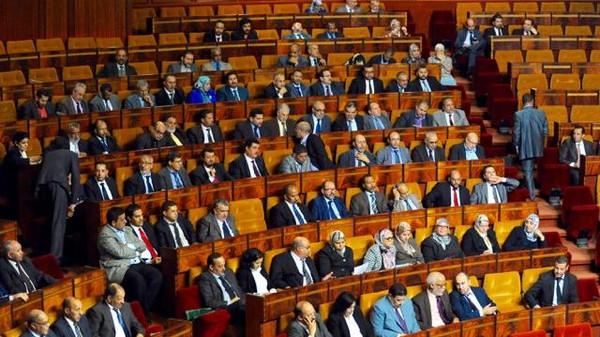 """برلمانيون يستغربون من حذف قضية """" أزبال ايطاليا"""" من احاطة علما بمجلس النواب والحيطي تغيب"""