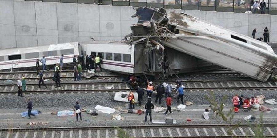 مقتل 25 وإصابة 50 في تصادم قطارين جنوب إيطاليا
