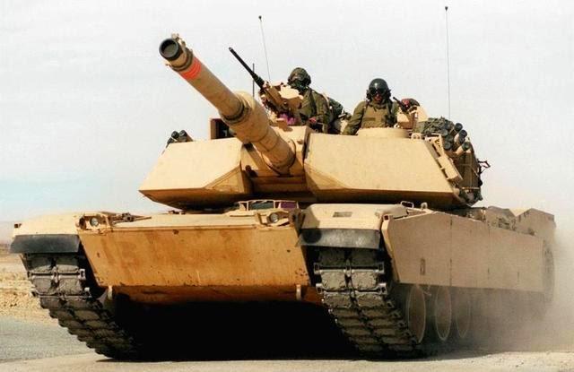 """دبابات """"ابرامز"""" الأمريكية تجوب شوارع الدار البيضاء"""