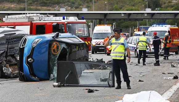 مصرع ثلاثة مواطنين مغاربة وإصابة ستة آخرين بجروح في حادثة سير جنوب فرنسا