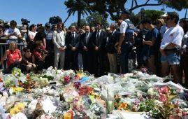 دقيقة صمت في كل انحاء فرنسا الاثنين تكريما لضحايا اعتداء نيس