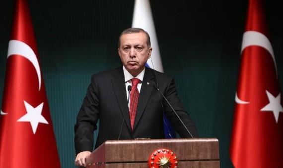 إردوغان يقول الانقلاب قامت به مجموعة صغيرة داخل الجيش لا يمكنها التأثير على وحدة البلاد